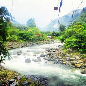 This is the river that runs through Baños.